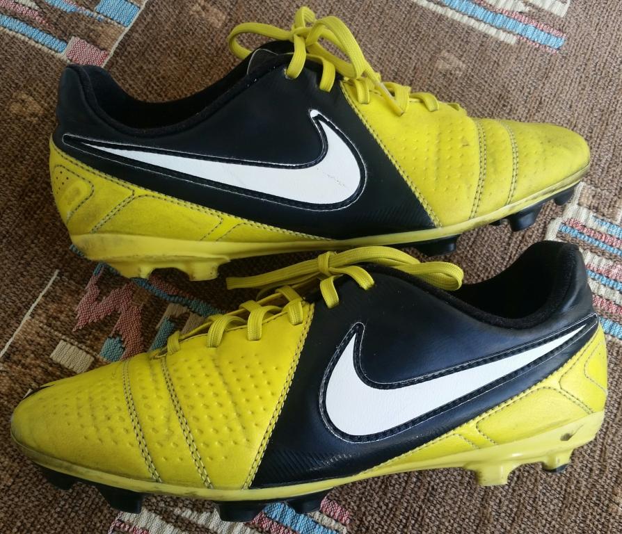 1c385258 Продам футбольные бутсы Nike б/у, размер 37,5 в хорошем  состоянии,