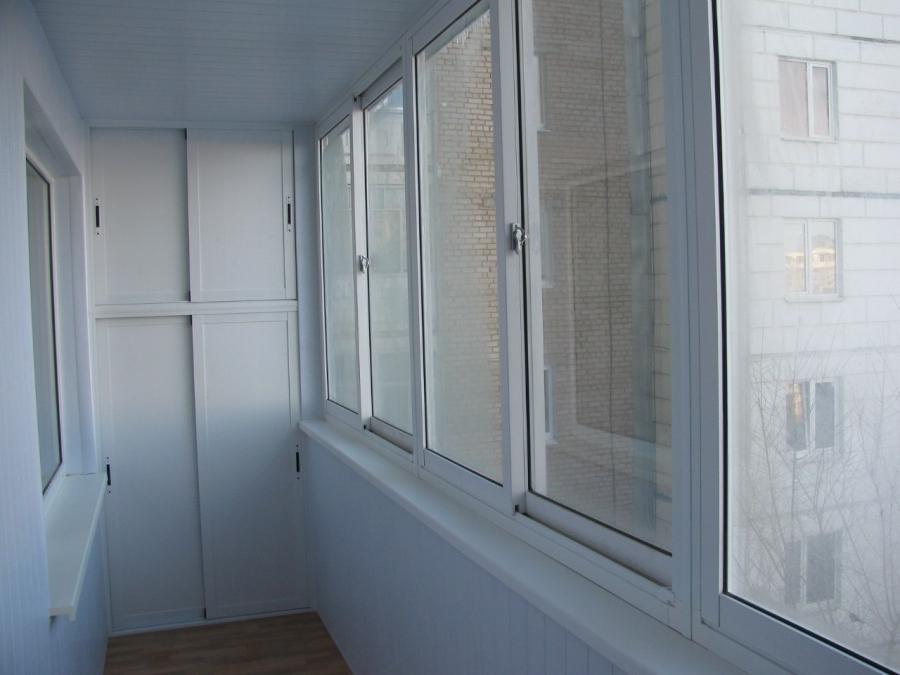 Как сделать шкаф на балконе из пластиковых панелей