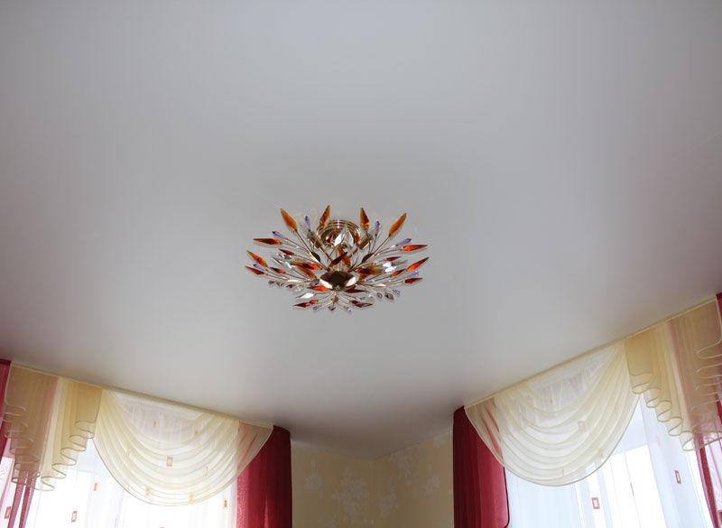 Натяжной потолок простой дизайн