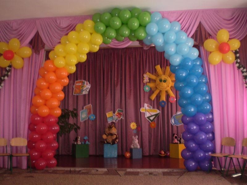 Украсить шарами выпускной своими руками