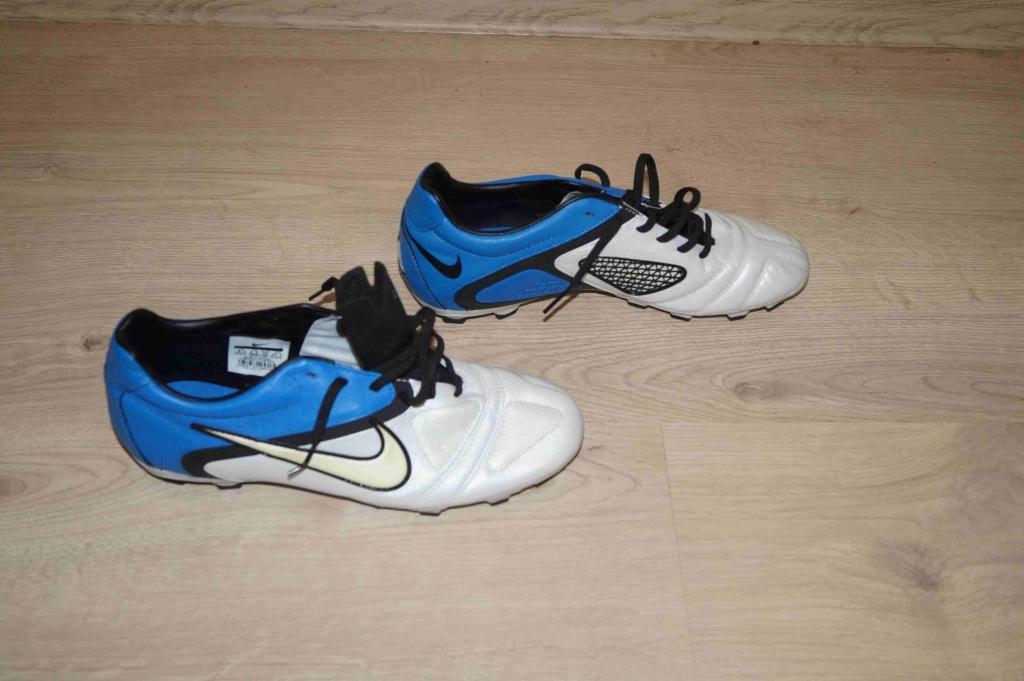 Продам Бутсы новые(Не разу не носил!) Nike . Размер на этикетке 43 0d06329931e32