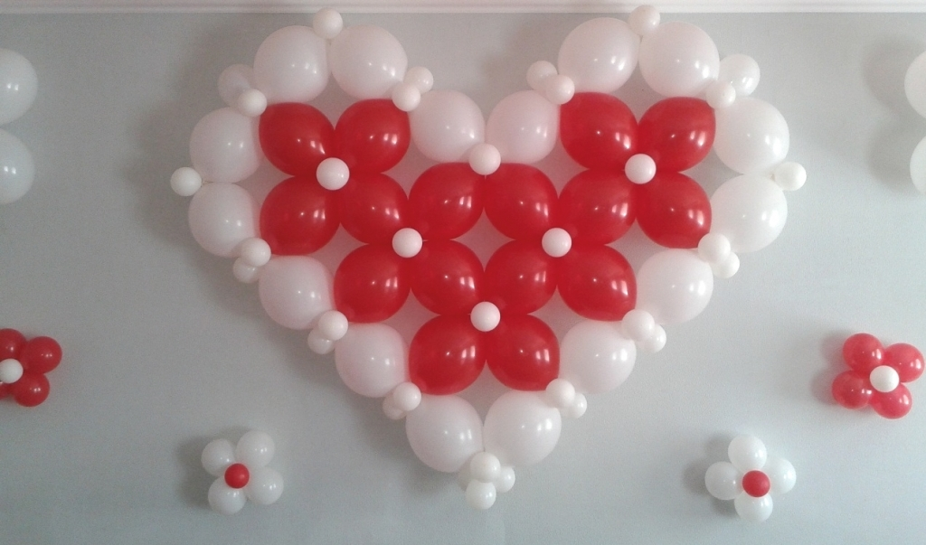 Сердце из шаров на каркасе своими руками без каркаса