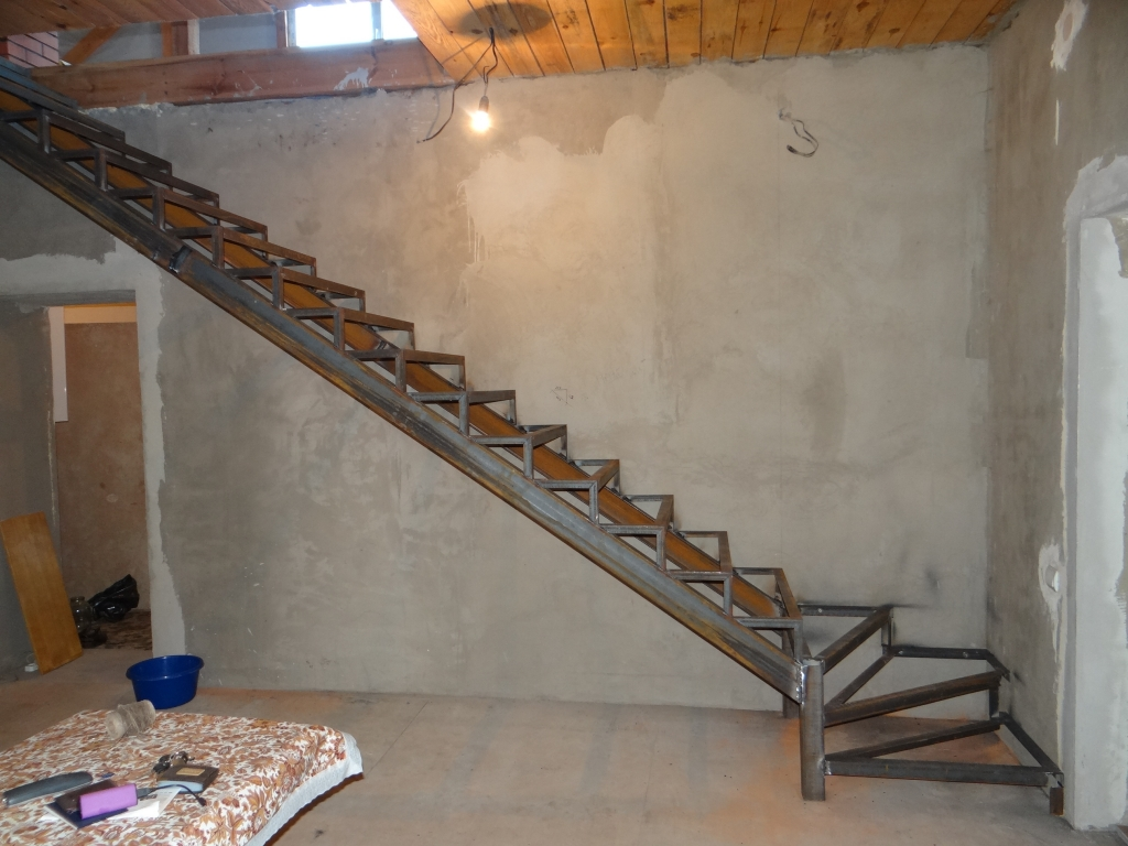 Обшить лестницу на металлокаркасе своими руками