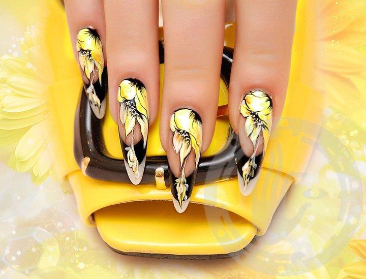 дизайн нарощенных ногтей с блестками