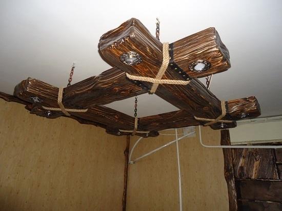 Люстры из дерева под старину фото