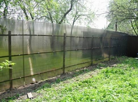 Забор из карбоната