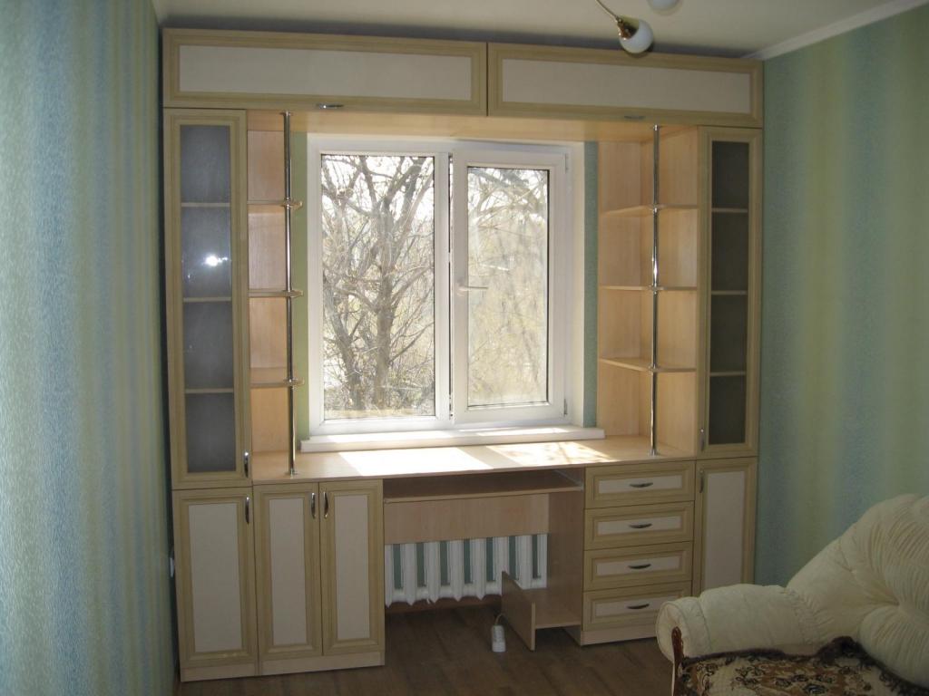 Как сделать шкафы около окна