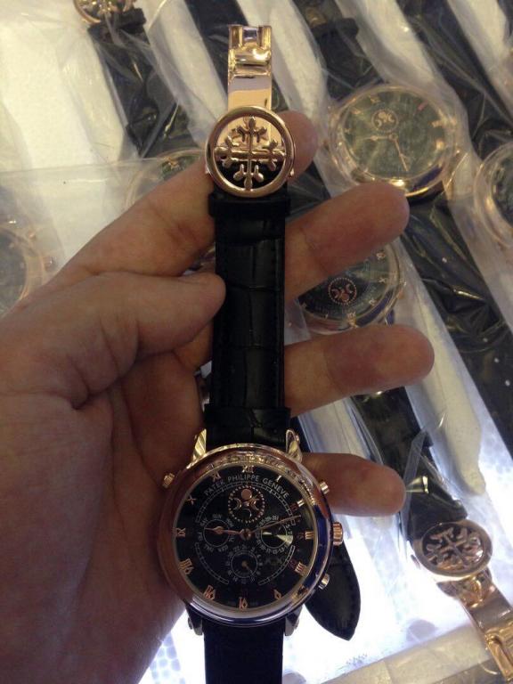 избитые часы patek philippe sky moon tourbillon копия кварцевые мн351 вода продаётся