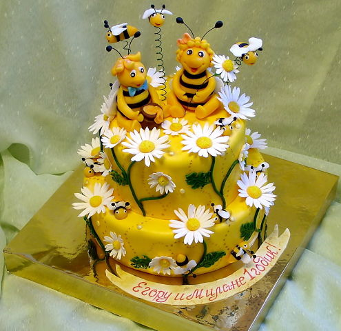 Пчелка на торт своими руками