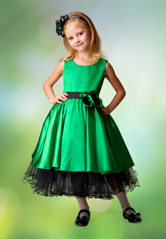 Зелёное платье для девочки