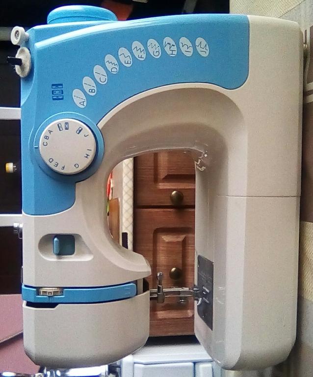 Швейная машинка comfort 15 маховое колесо
